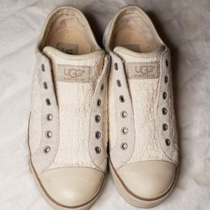 UGG cream laceless sneaker size 6.5